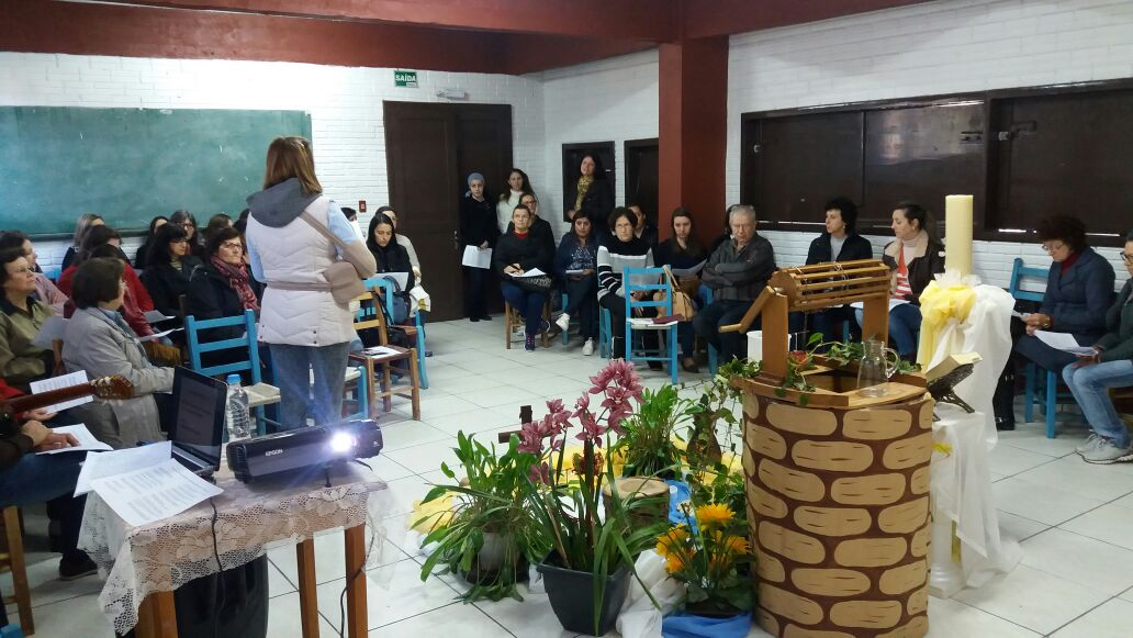 Jesus e a samaritana: Retiro para catequistas movimenta Sertão