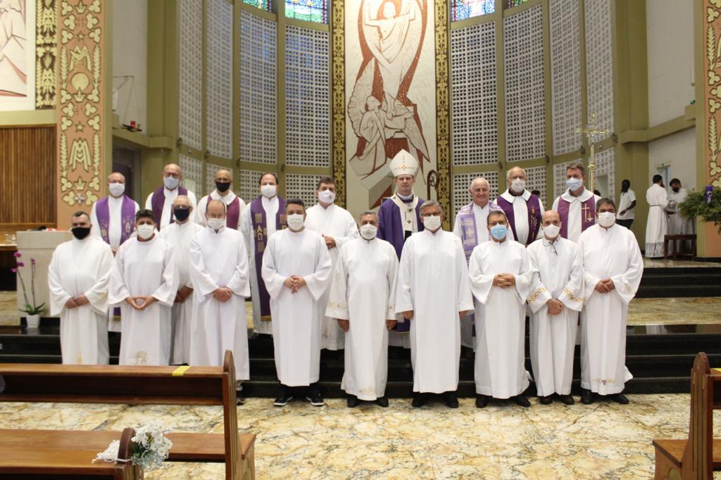 Diaconato Permanente: Arquidiocese celebra Admissão às Ordens Sacras de 11 candidatos