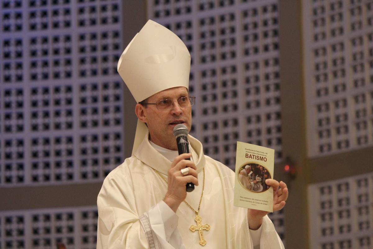 Arquidiocese lança Diretório sobre o Sacramento do Batismo
