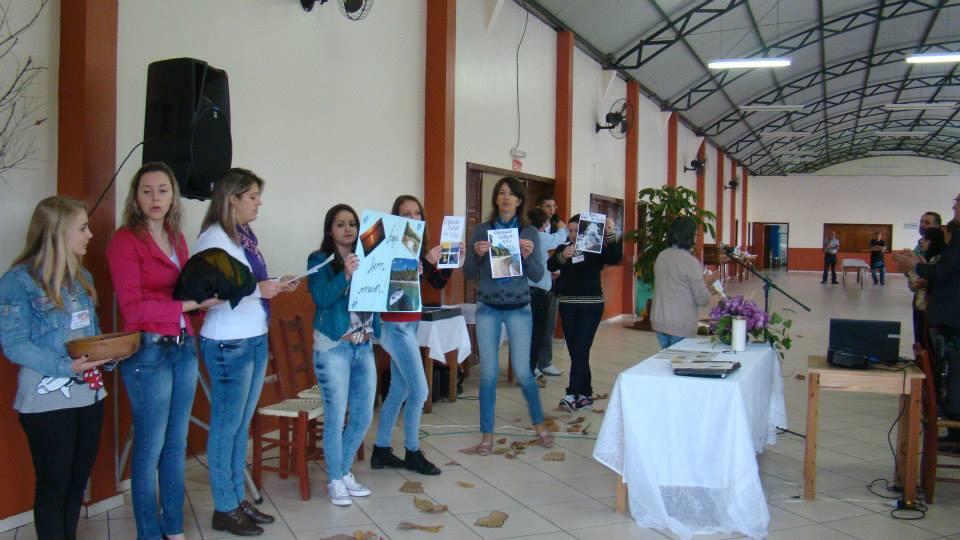 Catequistas da Área de Tapejara se reúnem em encontro de formação