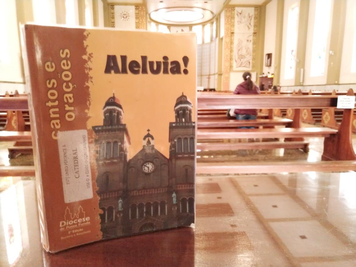 Arquidiocese prepara novo livro de cantos e orações