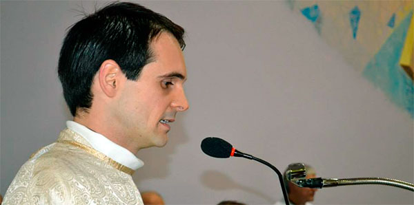 Padres Carlistas celebram ordenações presbiteriais em Guaporé e Rondinha