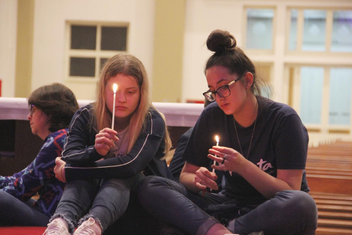 Sínodo da Juventude: vigília reúne jovens na Arquidiocese