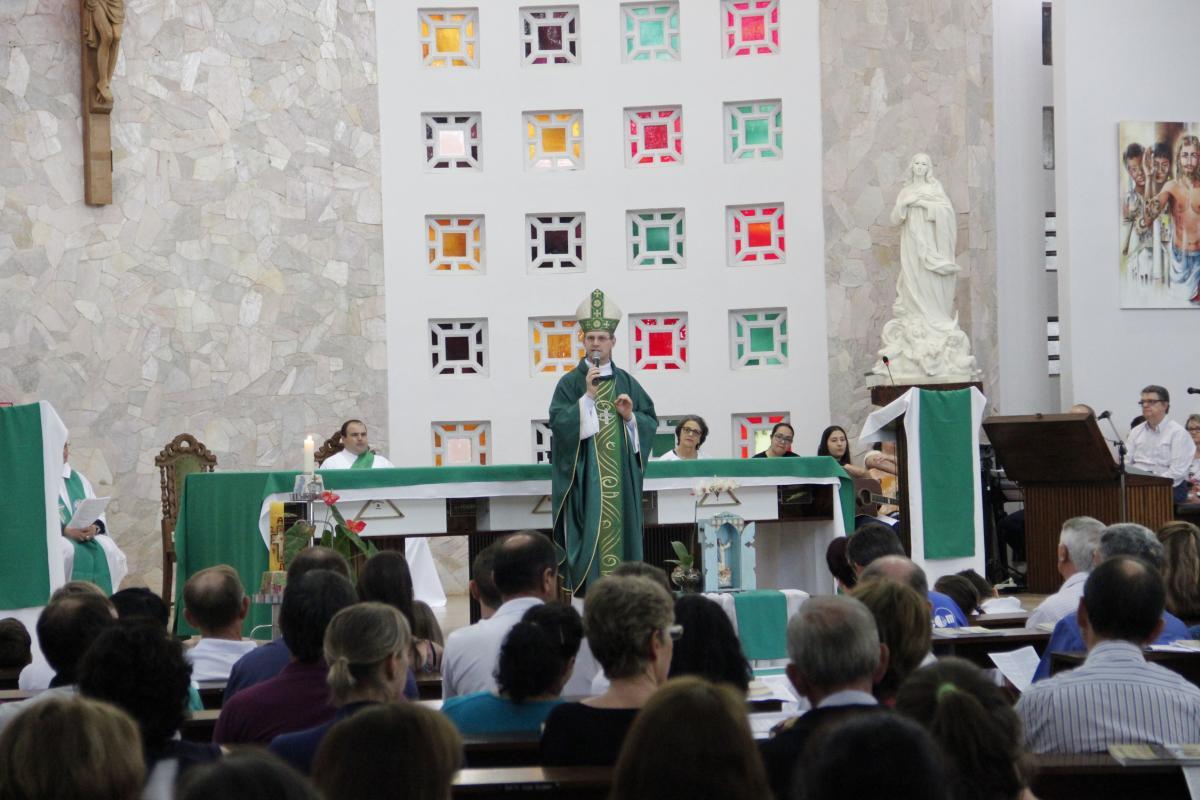 Padre Élio Eilert toma posse e Carazinho