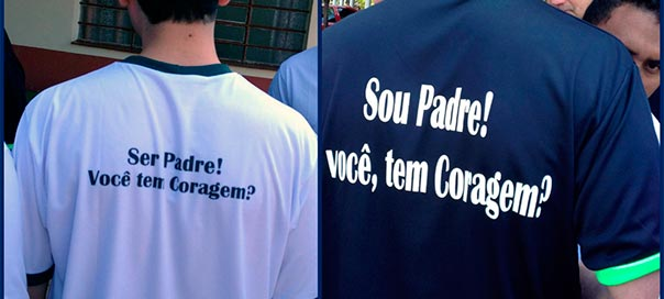 Pastoral Vocacional entrega camisetas para seminaristas e formadores da Arquidiocese