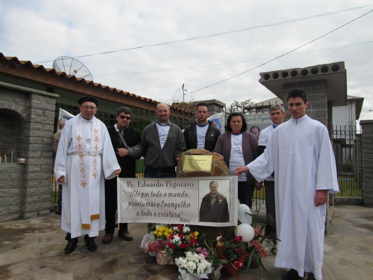 Comunidade taperense clama por Paz e Justiça em memória ao assassinato do padre Eduardo Pegoraro