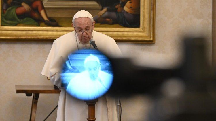 Papa Francisco publica sua Mensagem para o Dia Mundial das Comunicações Sociais