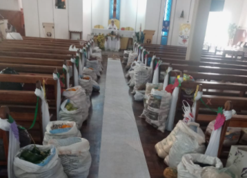 Paróquia São Vicente de Paulo recebe 2.300kg de alimentos em doação de Corpus Christi