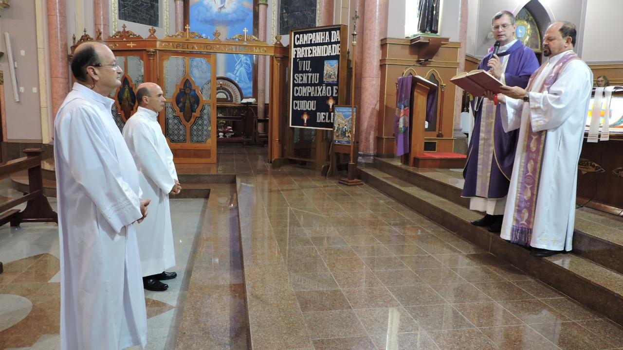 Candidatos ao Diaconato Permanente recebem o Ministério do Leitor