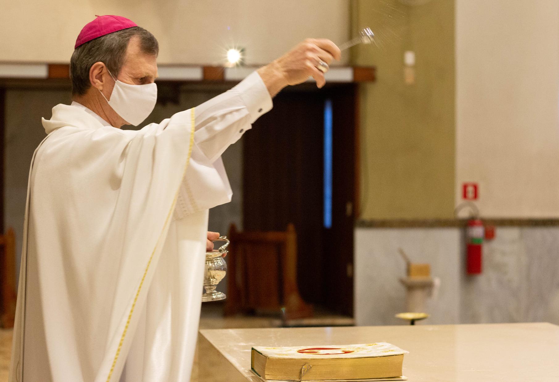 """""""Cristo é o altar"""": Catedral Nossa Senhora Aparecida celebra a Dedicação do Altar"""
