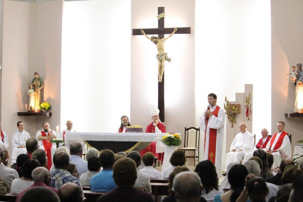 Paróquia São José, em Passo Fundo, acolhe novo pároco e vigário paroquial