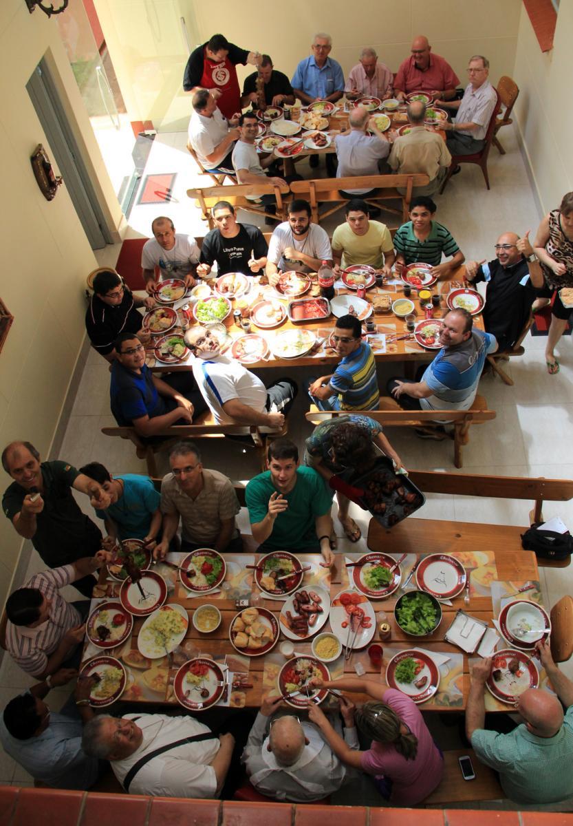 Bispos, padres e seminaristas comemoram aniversário de dom Urbano