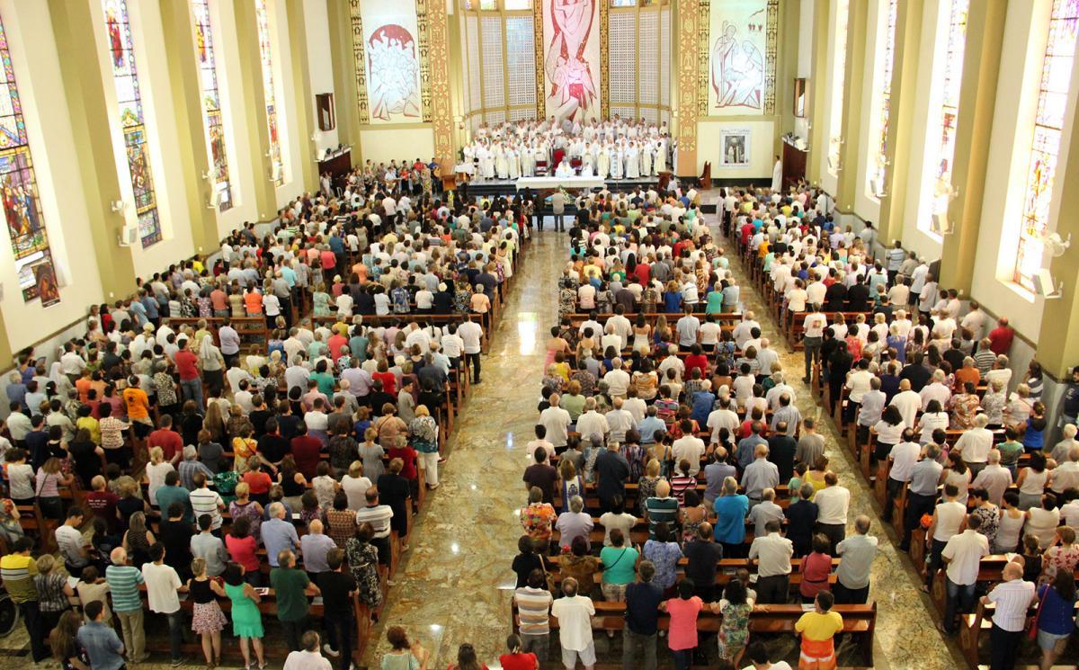 Celebração na Catedral acolhe Dom Rodolfo Weber
